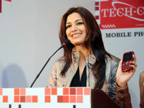 Ms Sonali Bendre addressing media